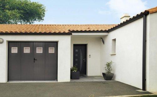 Pose d'une porte de garage battante 4 vantaux à Saint-Symphorien-d'Ozon et sa région.