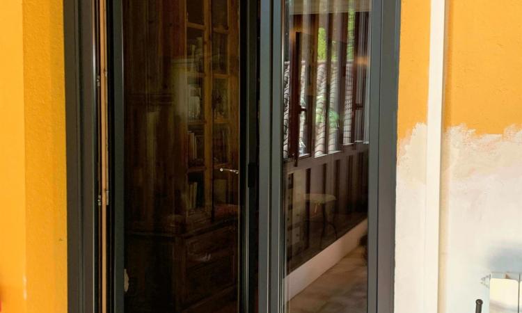 Porte fenêtre mixte asymétrique