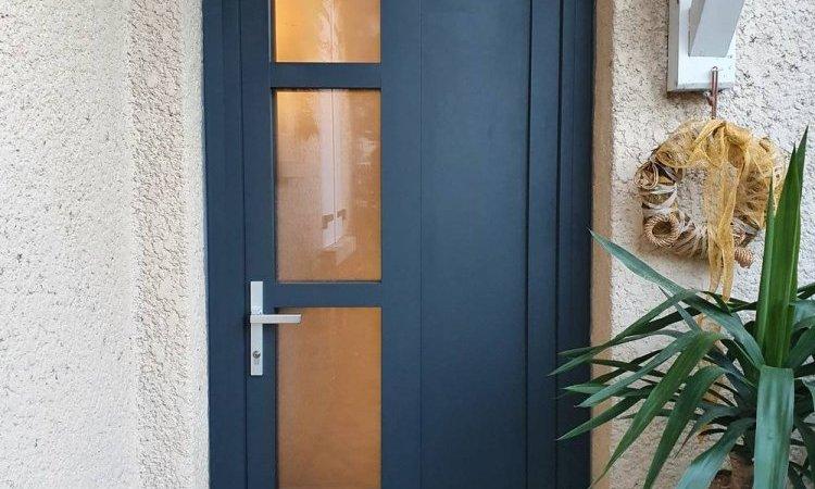Pose de porte d'entrée bois aluminium à Saint-Symphorien-d'Ozon et sa région