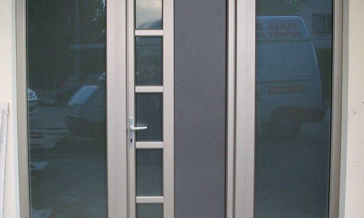 Pose de porte d'entrée PVC à Saint-Symphorien-d'Ozon et sa région
