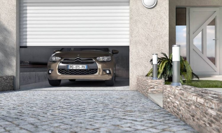 Pose de portes de garage enroulables Castellane à Saint-Symphorien-d'Ozon et sa région